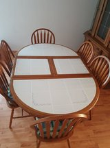 Dining Room Table w 6 chairs in Ramstein, Germany