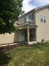 Oswego East schools - home for rent 4bd 2 bth in Naperville, Illinois