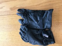 Black shell gloves in Camp Pendleton, California