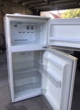 220 volts Refrigerator LG MODEL WHITE in Ramstein, Germany