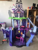 Monster High Castle with accessories in Okinawa, Japan