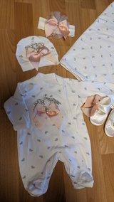 newborn coming home outfit in Grafenwoehr, GE