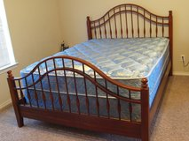 PCS Sale:Cherry Wood Bed Queen Size (made USA) in Wiesbaden, GE