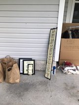 *Curb Alert* Picture Frames in Camp Lejeune, North Carolina
