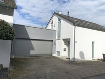 Kaiserslautern PRE-Park 3 bedrooms bik 2-car garage in Ramstein, Germany