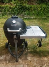 Char-Broil Kamander charcoal grill in Ramstein, Germany