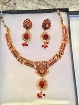 Necklace set - new in Algonquin, Illinois