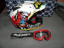 2010 Oneal 5 Series The Villian Helmet With Blur Goggles Size YXL in Warner Robins, Georgia