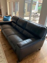 Great LEATHER couch - LINCOLNSHIRE in Great Lakes, Illinois