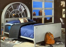Twin Bed Star Wars Millennium Falcon Gray 3 Pc Twin BookcaseBed in Kingwood, Texas
