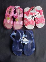 Toddler girls sz 9 sandals shoes in Clarksville, Tennessee