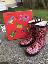 girls rain boots us 2 or 33 new in Ramstein, Germany