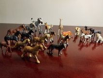 Small Size Animal collection of 22 in Naperville, Illinois