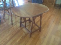 Dropleaf End Table in Naperville, Illinois