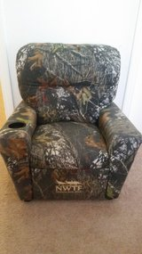 Kids  NWTF Mossy Oak Recliner Chair in Fort Campbell, Kentucky