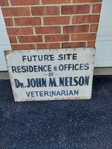 Vintage Veterinarian Sign in Naperville, Illinois