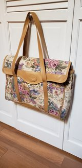 Floral Carry Bag in Travis AFB, California