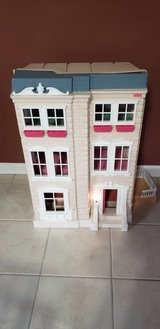 Fisher Price doll house in Sandwich, Illinois