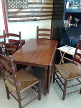 Pennsylvania House Drop-Leaf Table & 4 Chairs #2511-2 in Camp Lejeune, North Carolina
