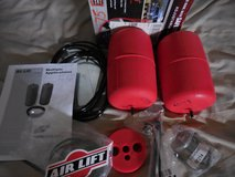 AIR LIFT SET 60733-1000 WILL FIT MANY GM VEHICLES in Alamogordo, New Mexico