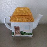 Cottage tea pot in Alamogordo, New Mexico