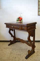 Antique style console table in Ramstein, Germany