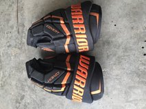 Youth hockey gloves in Fort Campbell, Kentucky