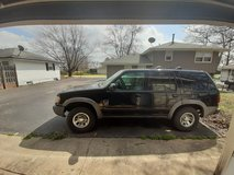 2000 Ford Explorer XLS with only 87K miles!!!!!!! in Joliet, Illinois