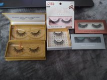 6 sets of false lashes in Camp Pendleton, California