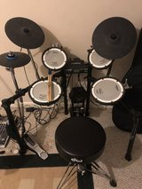 Roland TD-4 electronic V Drums in Clarksville, Tennessee