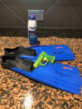 Flippers & sunscreen in Spring, Texas