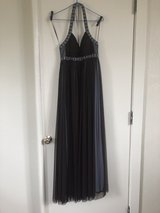 Size 4 ball gown in Camp Lejeune, North Carolina