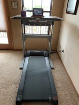 Life Span Treadmill with motorized adjustable table top in Alamogordo, New Mexico