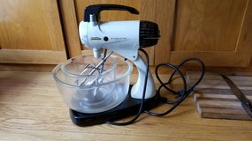 Sunbeam Stand Mixer - Model 12 - with original FireKing bowls in Batavia, Illinois