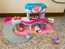 Shopkins Cutie Cars Splash 'N' GO Spa Wash and 7 cars in Okinawa, Japan