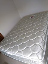full size bed in Naperville, Illinois