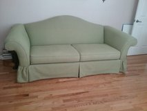 broyhill couch in Camp Lejeune, North Carolina