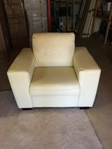 Cream leather chair /excellent condition in Fort Belvoir, Virginia