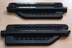 Cadillac Stick-On Fender Vents (Escalade, CTS, STS etc.) in Wiesbaden, GE