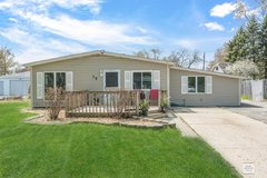 3 br house 15 durango rd, montgomery il. boulder hill for rent in Naperville, Illinois