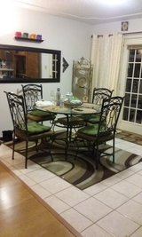 Dining table for 4 in Alamogordo, New Mexico