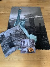 "2 bed linen sets for German duvet ""New York"" + ""black"" in Ramstein, Germany"