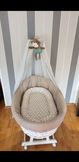 Bassinet full set in good condition in Wiesbaden, GE