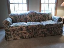 7 ft.Couch in Naperville, Illinois