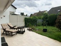 Modern home with fire place, garage and yard- 15 min to Clay in Wiesbaden, GE