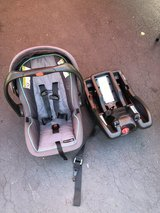 Graco car seat and base in Plainfield, Illinois