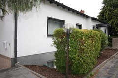 Cozy and Charming Single Fam 4 Bedrm House with 2 Garages in Kaiserslautern in Ramstein, Germany