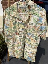 Men's Hawaiian Shirt in Chicago, Illinois