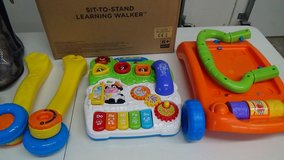 New Vtech 5 Piano Keys Sit-to-Stand Learning Walker -6 + Months in Fort Leonard Wood, Missouri