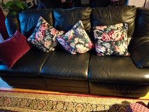 Black leather recliner coach plus love seat in Ramstein, Germany